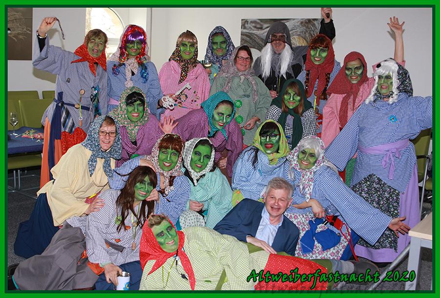 Gruppenbild Hexen Altweiberfastnacht 2020